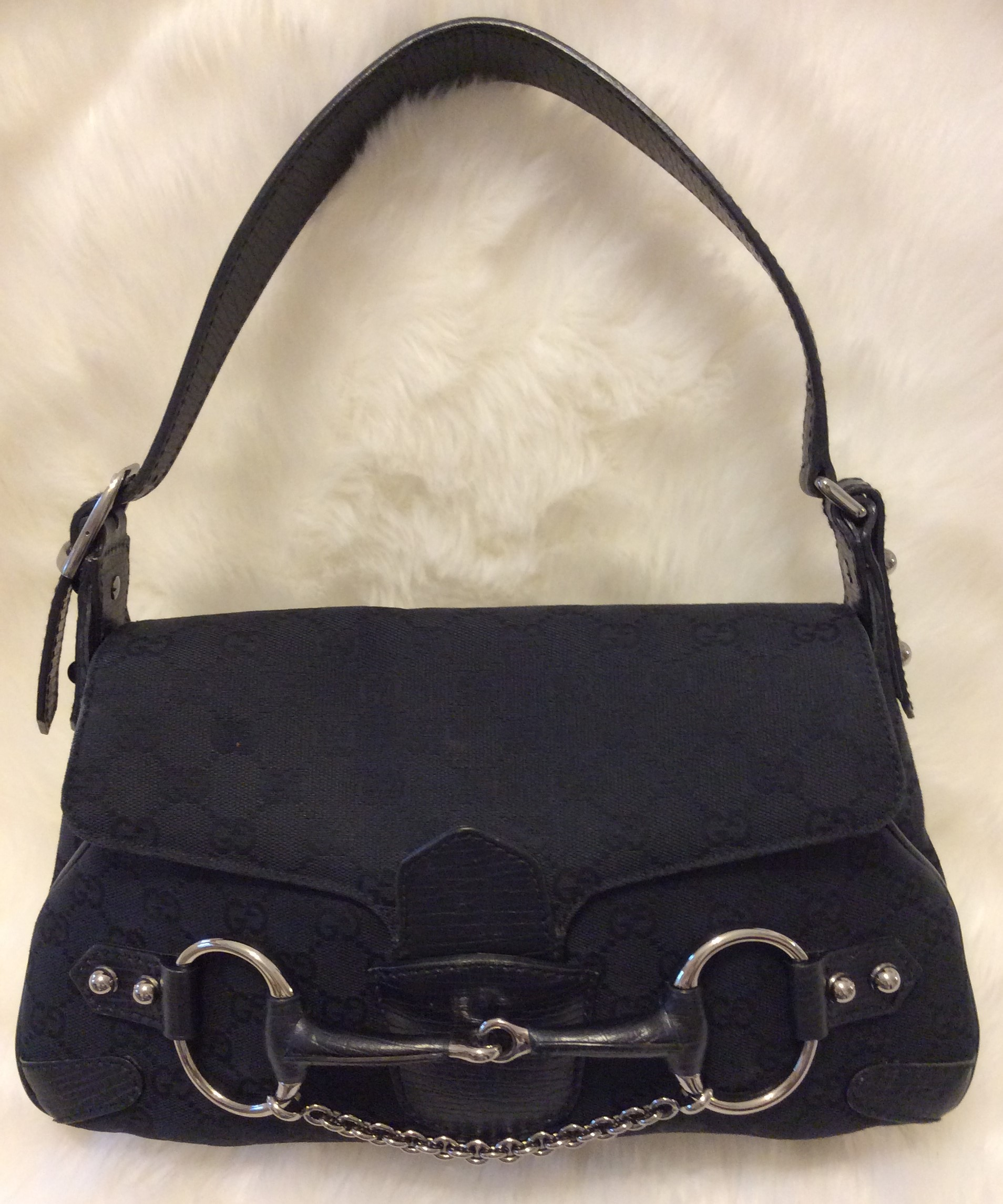 12b6a290965 Gucci  Authentic 1990 s Vintage Tom Ford Horse Bit Baguette Shoulder Handbag